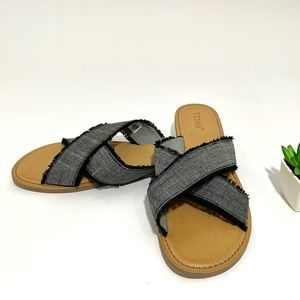 TOMS NWOT Viv Sandals Black Textured Chambray fray